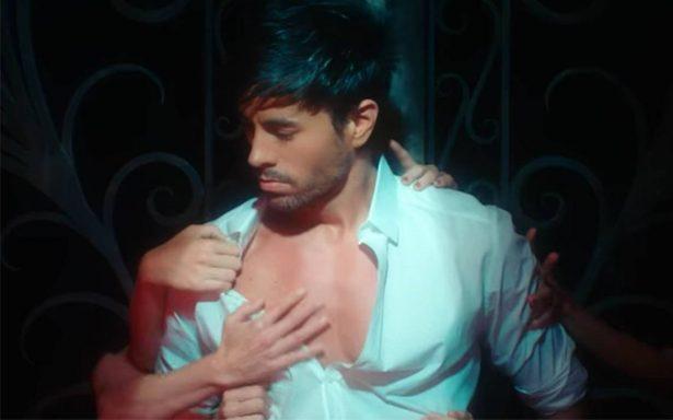 """Enrique Iglesias vuelve más sensual que nunca con su video """"El Baño"""""""