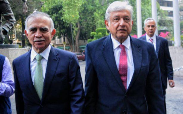 AMLO presenta a Alfonso Romo como su próximo coordinador de oficina de la Presidencia
