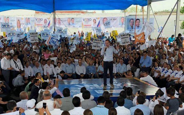 """Anaya promete cambiar la Reforma Educativa porque """"es un desastre"""""""