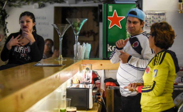 Colombia abre el primer bar para sordos