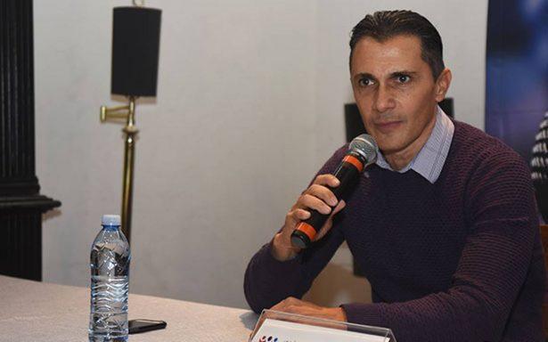 Adolfo Ríos va por alcaldía de Querétaro y AMLO lo apoya
