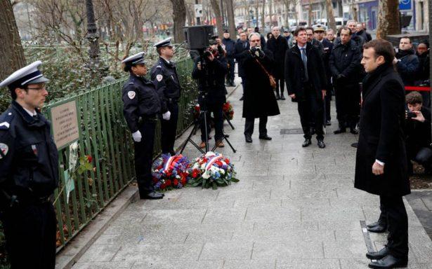Macron conmemora ataque terrorista contra semanario Charlie Hebdo