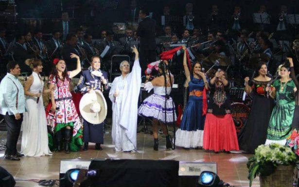 """Todo un éxito el concierto """"Oaxaca Corazón"""", en beneficio de damnificados por el sismo"""