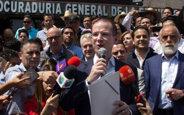 PGR se presta a la guerra sucia del PRI, afirma Anaya