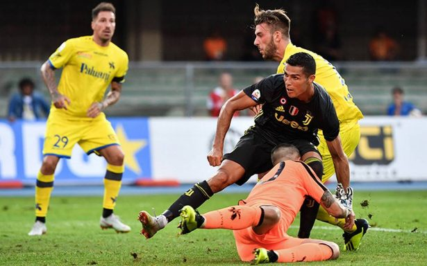 En el debut de Cristiano Ronaldo, la Juventus triunfa 3-2 sobre el Chievo