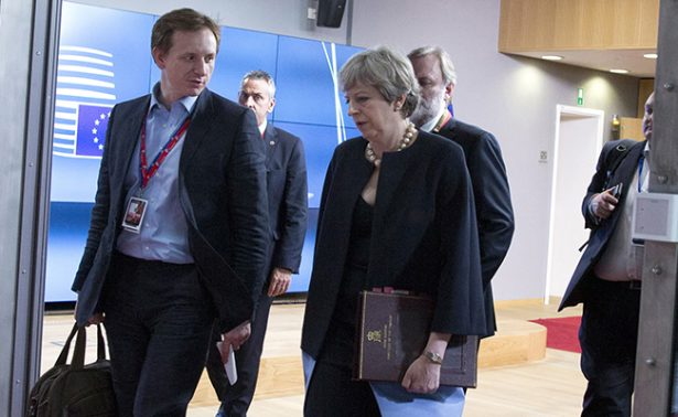 May garantiza en Ia UE cumplimiento de derechos a ciudadanos en Reino Unido
