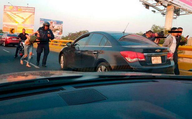 [Video] Balacera en Circuito Interior deja dos presuntos ladrones detenidos