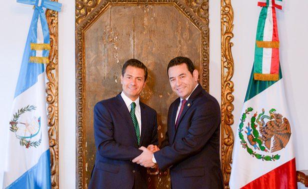 En Guatemala, Peña Nieto discute con Jimmy Morales retos en común