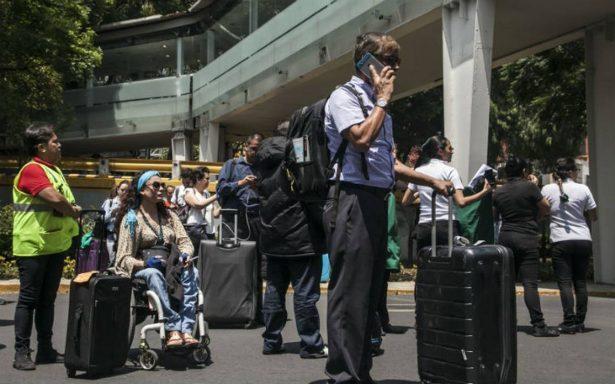 AICM reanuda operaciones tras sismo; Aeromexico reprogrma vuelos