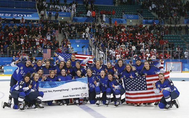 La selección femenina de hockey de los Estados Unidos gana oro olímpico