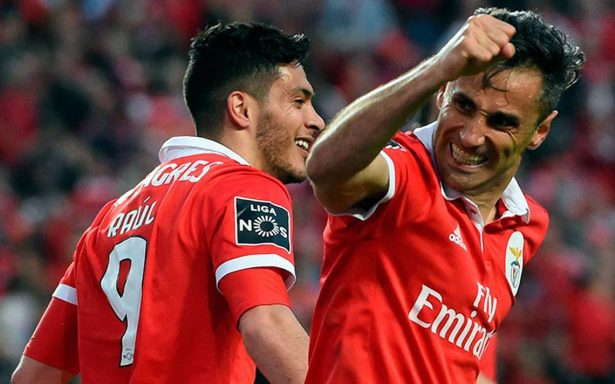 [Video] ¡Memorable! Raúl Jiménez da asistencia de rabona y Benfica gana