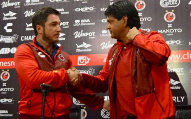 Veracruz presenta a José Cardozo como su nuevo director técnico