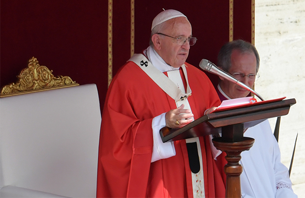 El papa recibe a obispos venezolanos para analizar la crisis en el país