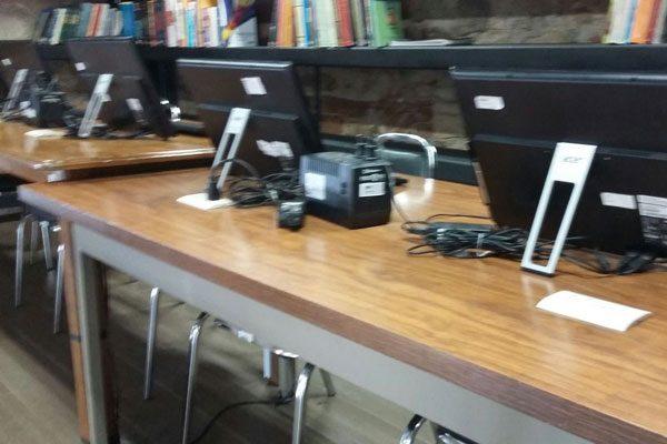 Reparará Presidencia 24  computadoras de  la biblioteca Benjamín Franklin