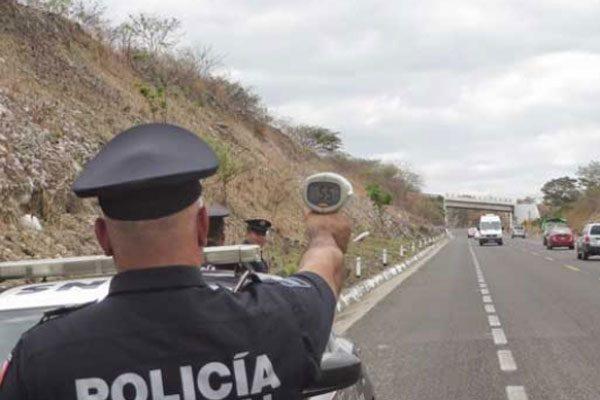 Aumentaron las multas y accidentes carreteros el pasado fin de semana
