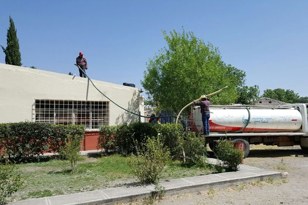 El calor aumenta desabasto de agua en Villa Matamoros