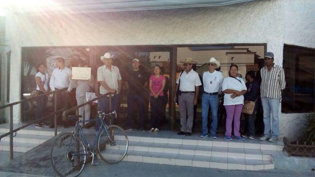 Usuarios de la Jmas en Jiménez toman instalaciones; exigen suministro de agua