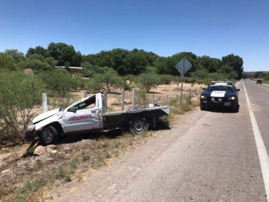 Fuerte volcadura en el kilómetro 20 de la carretera vía corta a Chihuahua