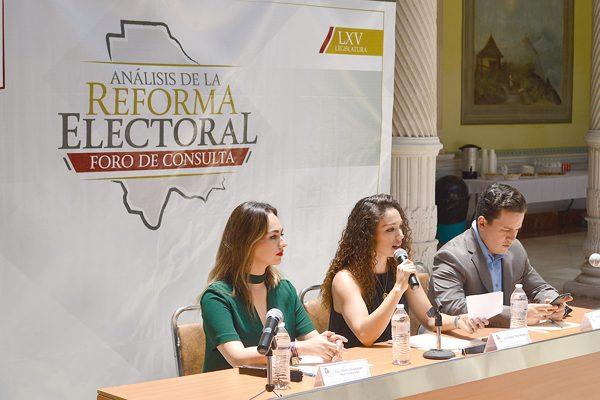 Presentan tres propuestas en Foro de Reforma Electoral