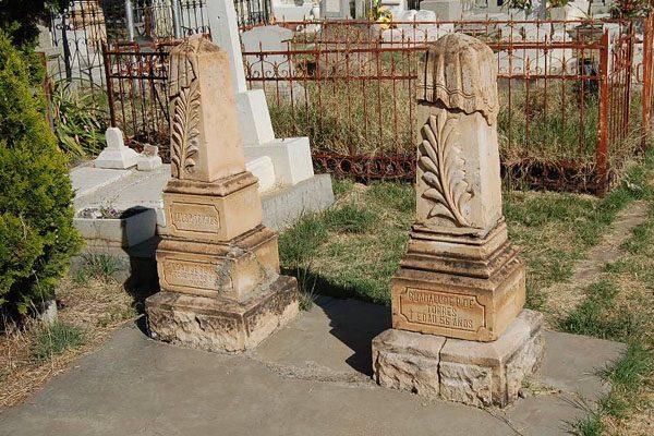 Abandonada la zona de tumbas históricas en panteón de Dolores