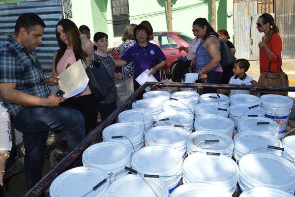 Entregó Seech 2,337 litros de pintura a escuelas preescolares y primarias
