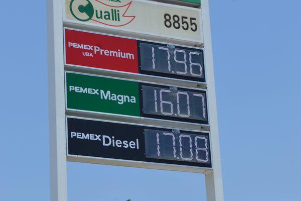 Comercializan la gasolina en cuatro precios distintos