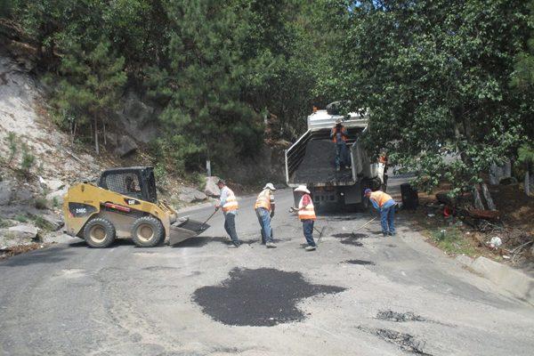 Bachean carretera de Gpe. y Calvo hasta la comunidad de El Pinito