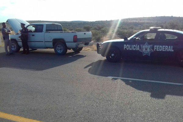 Asegura Policía Federal dos vehículos con reporte de robo en la carretera a Matamoros