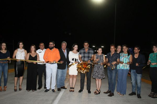Inaugura el Alcalde encementado y alumbrado eléctrico en la Independencia