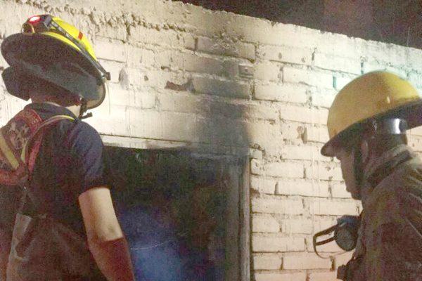Incendio de casa-habitación en la colonia López Portillo