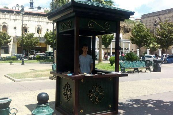 Ponen en funcionamiento módulo de información turística en la plaza Principal
