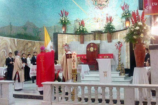 Exhorta Monseñor a recibir al Espíritu Santo en los corazones