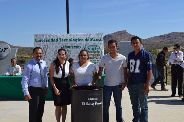 Donó El Sol de Parral tambos de 200 lts. para reciclaje a la UTP