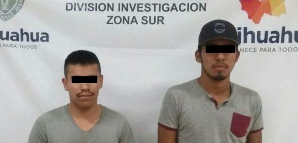 Agentes de la FGE detuvieron en Parral a dos sujetos por la posesión de un arma de fuego