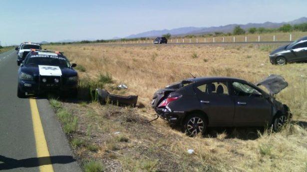 Lesionado en volcadura en la carretera corta