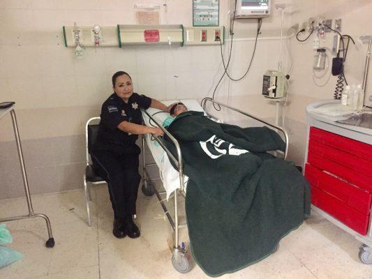 Menor que se accidento en la carretera Parral- Chihuahua en el tramo Zapién,se encuentra sin lesiones en el hospital del IMSS