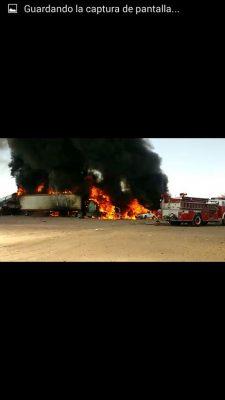 Video: Se incendian  alrededor de 40 vehículos  en la carreteraJiménez- Delicias