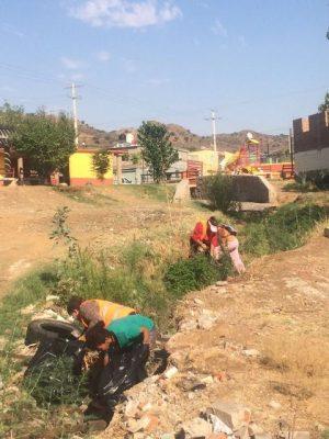 Cuadrillas de Servicios Públicos realizan jornada de limpieza en arroyo las Adelitas