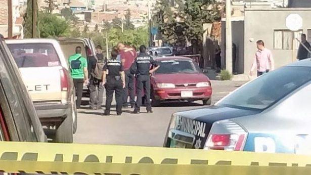 Vecinos rescataron al bebe que iba bordo del vehículo donde ejecutaron a una pareja