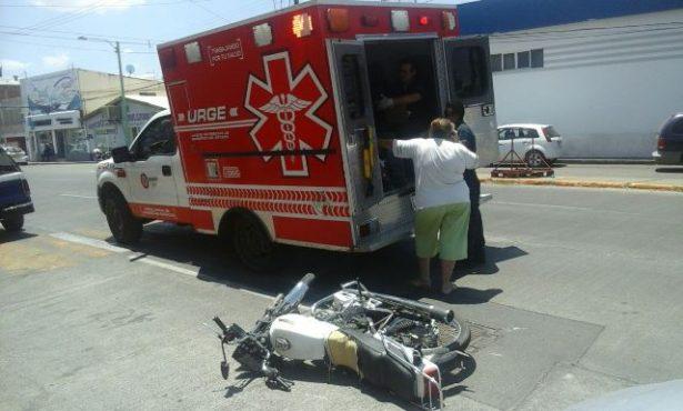 Impacta camioneta a motocicleta en el Boulevard Ortiz Mena