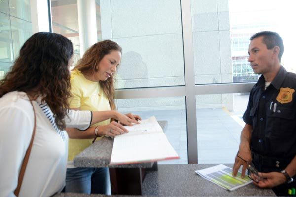 Restringen acceso a audiencia de exdiputado Fernando Reyes