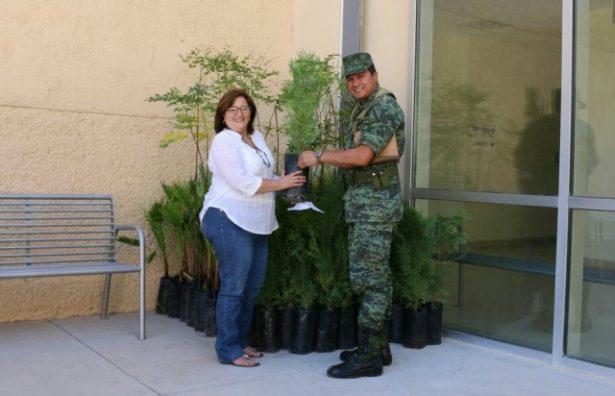 Regidores Independientes gestionan ante el 76 Batallón de Infantería, 90 arbolitos para la FEI