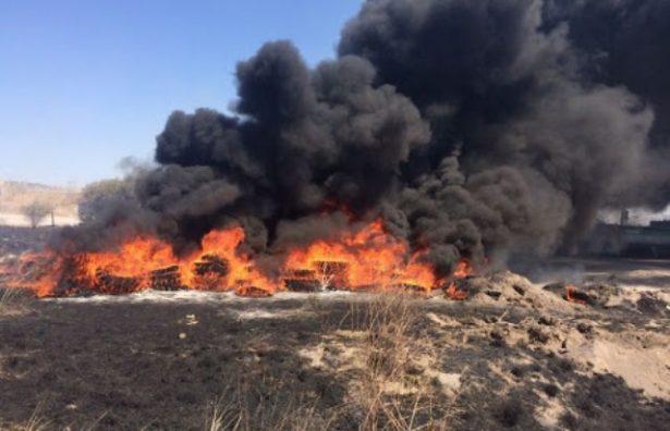 Se quemaron pacas de pastura en un rancho ubicado en la carretera a Santa Bárbara