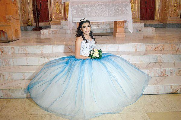 Celebró sus quince años Ana López  Ortiz
