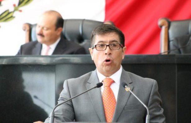 Acusan a ex diputado de desviar 2 millones 420 mil a empresa de consultoría