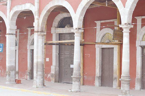A punto de colapsar el histórico edificio de Allende
