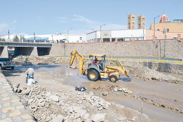El día 20 podrían terminar obras en colector del río Parral, afirma Jmas
