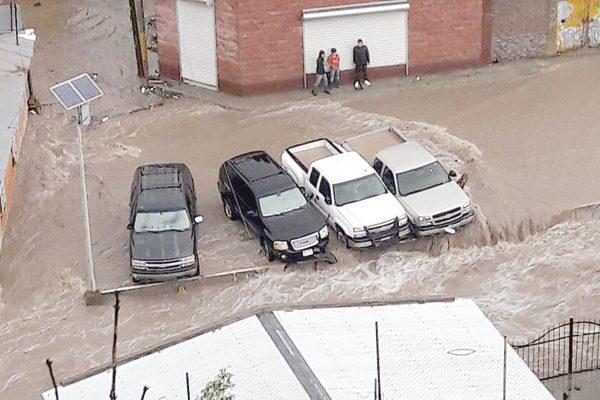 Capacitarán a ciudadanos afectados por la inundación en Guadalupe y Calvo