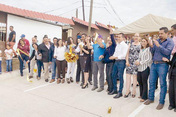 Inauguró el Alcalde pavimentación en calles con 30 años desatendidas