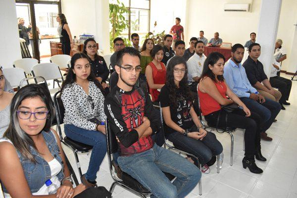 Grupo de Cabildo Juvenil asiste a la Sesión Ordinaria No. 28